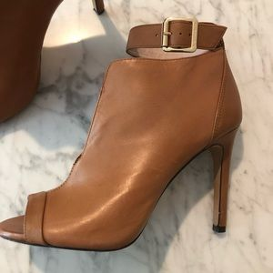 Like New - Cognac Leather Heeled Booties - Size 6